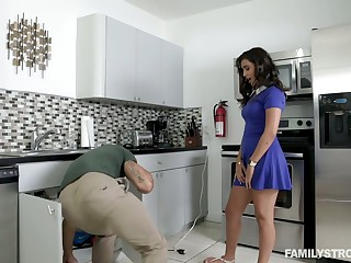 Awesome hottie Penelope Colourless goes wild first of all a hard cock and gets facial