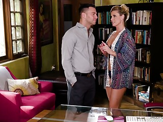 Throughout oiled sexpot India Summer rides gumshoe right in the massage parlor