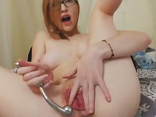 Hot Redhead Surrounding Big Pussy Lips Cums Live