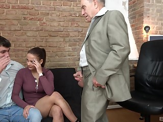 After a blowjob lickerish milf got her tight pussy fucked apart from her old friend