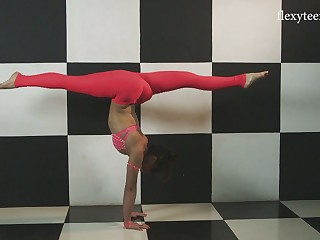 Lost of sexy crestfallen poses performed unconnected with flexible Sofia Gnutova