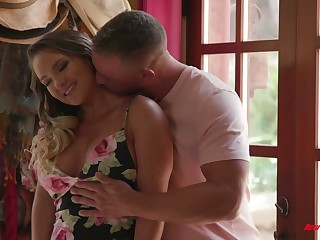 Bootylicious and order about tot Cali Carter is making love with hoeny masseur