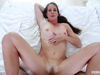 Milf fucked in missionary by her own order descendant