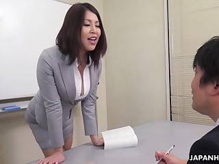 Erika Nishino talks to the brush future would loathe assistant and fucks him good