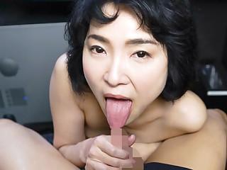 Ryo Hayakawa in Ryou Hayakawa Naughty Patriarch Lady in Private Video Box - CasanovA
