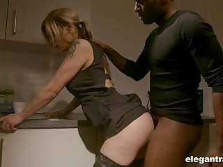 Pale nympho with nice ass Klarissa is fittingly analfucked by deadly girder