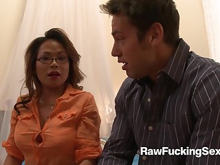 Glum Kim Tao Enjoys A Lasting Pounding