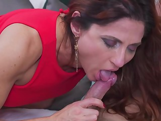 Anetta is fucking a younger guy on every side their way huge bed together with enjoying it a lot