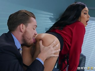 Buttplugged office lady Aaliyah Hadid gets her asshole fucked unconnected with her boss