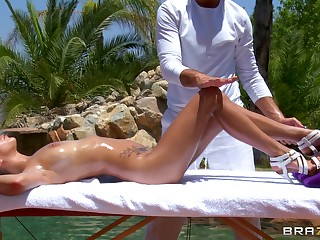 Hardcore outdoor fucking by slay rub elbows with pool with brunette April O'Neil