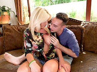 Hot middle aged housewife Tiffany Rousso gets intimate with having a liking for carnal knowledge stepson