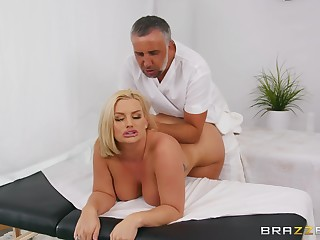 Marvelous moments when the chubby ass wife loads say no to ass