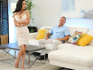 Tia Cyrus fucks with her big tits
