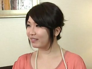 Beamy Japanese MILF opens her legs to be fucked on the sofa